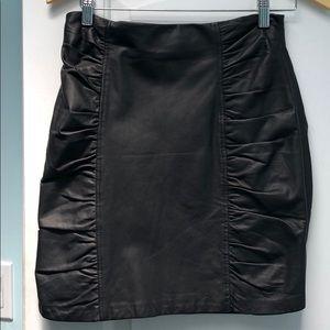Nanette Lepore Black ruched leather skirt sz 8